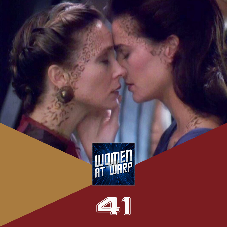Jadzia Dax and Lenara Kahn kiss